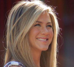 Jennifer Aniston facial exercises